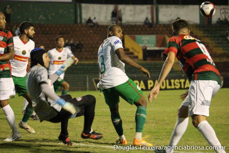 Portuguesa de Desportos 1 x 0 Portuguesa Santista (Foto: Douglas Teixeira/Agência Briosa)